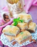 果仁蜜酥饼,土耳其点心 免版税图库摄影