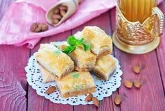 果仁蜜酥饼,土耳其点心 免版税库存图片