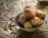 果仁蜜酥饼-土耳其点心用开心果 免版税库存图片