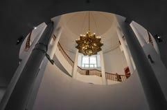 枝形吊灯在塔清真寺哈桑二世在卡萨布兰卡 库存图片