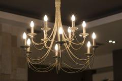 枝形吊灯在房子屋子里 库存图片