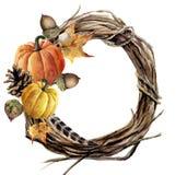 枝杈水彩手画秋天花圈  木花圈用南瓜、杉木锥体、秋天叶子、羽毛和橡子 秋天illustr 库存图片