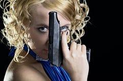 枪妇女 免版税图库摄影