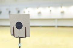 枪射击的目标 免版税库存图片