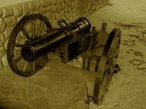 枪射击17世纪的仁在一个减速火箭的样式的 库存照片