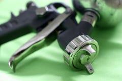 枪油漆喷雾器 免版税图库摄影