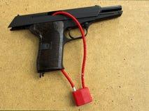 枪锁 库存图片