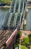 架桥列车 免版税库存照片