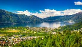 洛枷诺市和Lago从Cardada山,提契诺州,瑞士的Maggiore 图库摄影