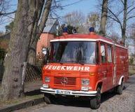 柏林人Feuerwehr消防队服务卡车 库存图片