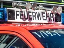 柏林人Feuerwehr消防队服务卡车 库存照片