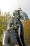 柏林古铜色恩格斯马克思 库存照片