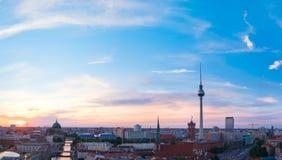 柏林地平线在日落的德国 免版税库存照片
