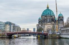 柏林大教堂和柏林博物馆岛在柏林 图库摄影