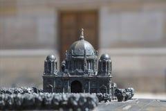 柏林大教堂的铜雕塑 图库摄影