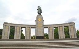 柏林德国 对下落的苏联战士的纪念品在Tirgarten 库存照片