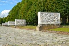 柏林德国 苏联军用纪念品的石棺大道在Treptov公园 免版税库存图片
