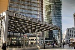 柏林波茨坦广场S-Bahn驻地标志 库存照片