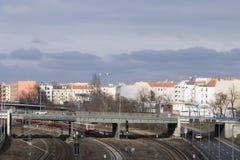 柏林都市风景有高速公路和铁路线的 免版税库存图片
