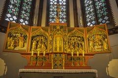 柏林,德国, 2017年2月- 16日:在圣Pauls多米尼加教会主要法坛的被雕刻的安心由未知的艺术家的 免版税库存照片