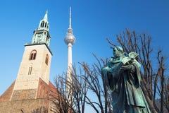 柏林,德国, 2017年2月- 13日:reformator马丁・路德staue在Marienkirche教会前面的 免版税库存图片