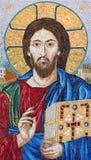 柏林,德国, 2017年2月- 16日:保佑的耶稣的mosaik在教会Marienkirche里 图库摄影
