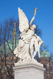 柏林,德国, 2017年2月- 13日:在宫殿桥梁Schlossbruecke的雕象在柏林 免版税库存照片
