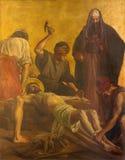 柏林,德国, 2017年2月- 16日:在金属片的油漆-耶稣被钉牢对十字架在教会圣马修里 免版税库存图片