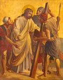 柏林,德国, 2017年2月- 16日:在金属片的油漆-耶稣被谴责对死亡 免版税图库摄影