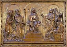柏林,德国, 2017年2月- 15日:被雕刻的安心十二寺庙的老耶稣在圣约翰浸礼会教友大教堂 免版税库存照片