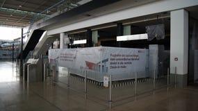 柏林,德国- 2015年1月17日, :在柏林勃兰登堡机场误码率里面,建设中,空的终端 库存照片