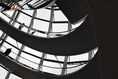 柏林,德国- 2017年12月17日:圆顶里面看法在Reichstag大厦的 库存照片