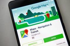 柏林,德国- 2017年11月19日:在屏幕现代智能手机的Google Maps app在戏剧商店 谷歌apps 库存照片