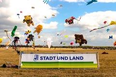 柏林,德国- 2018年9月22日:施塔特UND土地7 风筝费斯特 免版税图库摄影