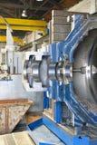 柏林,德国- 2013年4月18日:金属组分在铸造厂-机械工程的生产 库存照片