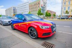 柏林,德国- 2015年6月06日:在冠军同盟决赛的巴塞罗那队oficial汽车 库存照片