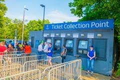 柏林,德国- 2015年6月06日:在柏林,冠军同盟决赛卖票点olimpic体育场外 免版税图库摄影