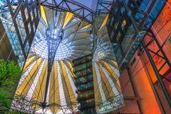 柏林,德国5月01日2015年在波茨坦广场的索尼中心, 免版税库存照片