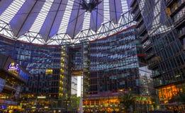 柏林,德国5月01日2015年在波茨坦广场的索尼中心, 免版税图库摄影