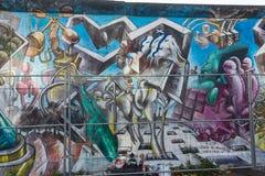 柏林,德国- 9月15 :2014年9月看的柏林围墙街道画15日,柏林,东边画廊 它` s 1 3 免版税图库摄影
