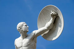 柏林, GERMANY/EUROPE - 9月15日:一个赤裸男性w的雕象 库存照片