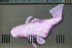 柏林, GERMANY/EUROPE - 9月15日:在街道的鱼壁画我 免版税库存图片