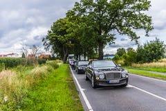 柏林- 2014年8月17日:实验驾驶事件的本特利Mulsanne汽车新闻工作者的 本特利Mulsanne是 库存照片