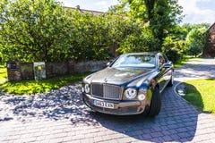 柏林- 2014年8月17日:实验驾驶事件的本特利Mulsanne汽车新闻工作者的 本特利Mulsanne是 免版税库存照片