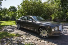 柏林- 2014年8月17日:实验驾驶事件的本特利Mulsanne汽车新闻工作者的 本特利Mulsanne是 免版税库存图片