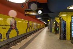 柏林- 2016年10月20日:理查Wagner普拉茨地铁站乐团在柏林 库存图片