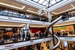 柏林购物中心的巨大的复合体在柏林波茨坦广场火车站附近位于 图库摄影