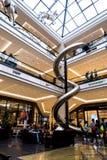 柏林购物中心的巨大的复合体在柏林波茨坦广场火车站附近位于 免版税库存照片