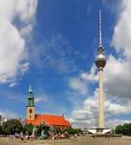 柏林fernsehturm marienkirche 免版税库存照片