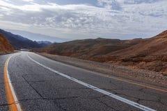 柏油路在沙漠内盖夫,以色列,路12,运输infrast 库存照片